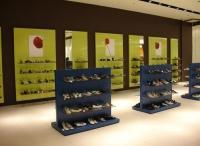 Промоция на Стелажи тип островни гондоли за обувки