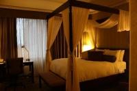Промоция на Луксозна спалня с балдахин