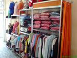Промоция на mobilier comercial pentru magazin de îmbrăcăminte