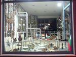 Промоция на обзавеждане на магазин за сувенири и подаръци