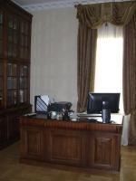 Промоция на Бюра от масивно дърво за мениджърски кабинети - изработка по поръчка
