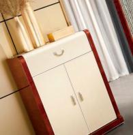 Промоция на Стилен шкаф за трапезария 190/50/76см